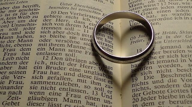 Ehering welche Hand - FLF-Book.de