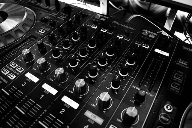 DJ-Mischpult